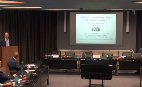 Prof Hugenholtz at a lectern, addressing a group of people at the seminar in Geneva.